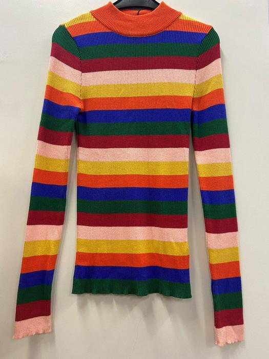 Кофты пиджаки разбитые серии 1037069