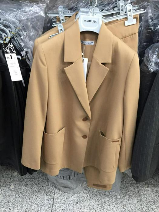 Женские костюмы 1012159