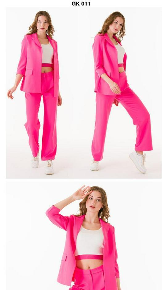 Женские костюмы 965550