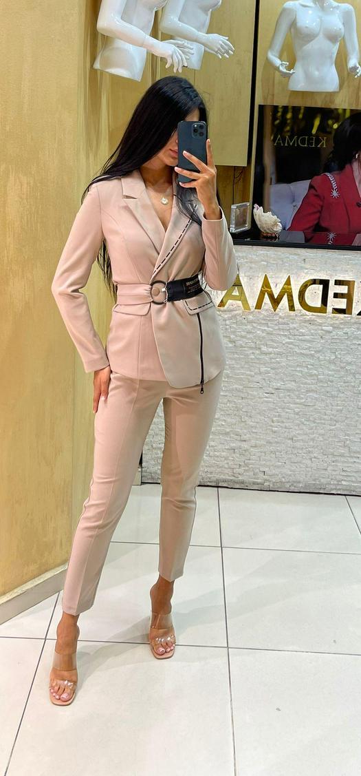 Женские костюмы 1011283